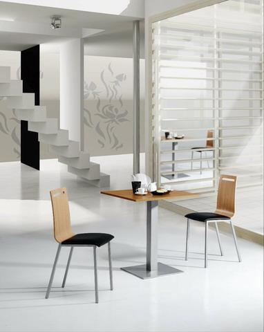 Mesas y sillas cocina estudio for Muebles mesas y sillas